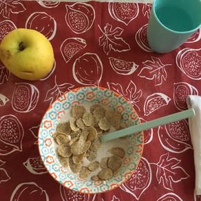 Crema di avena con frutta e cereali