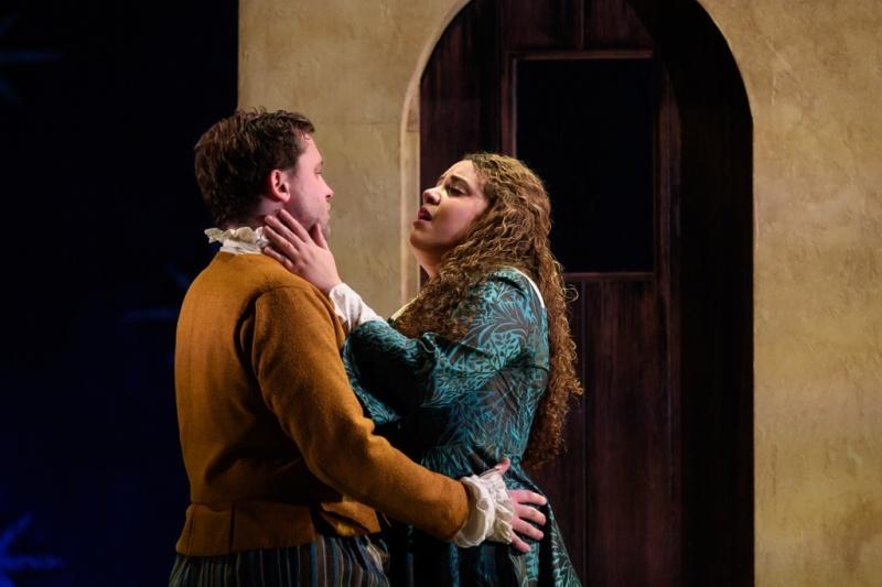 Richard Pinkstone (Pedrillo) and Nazan Fikret (Blonde) in English Touring Opera's The Seraglio c Jane Hobson