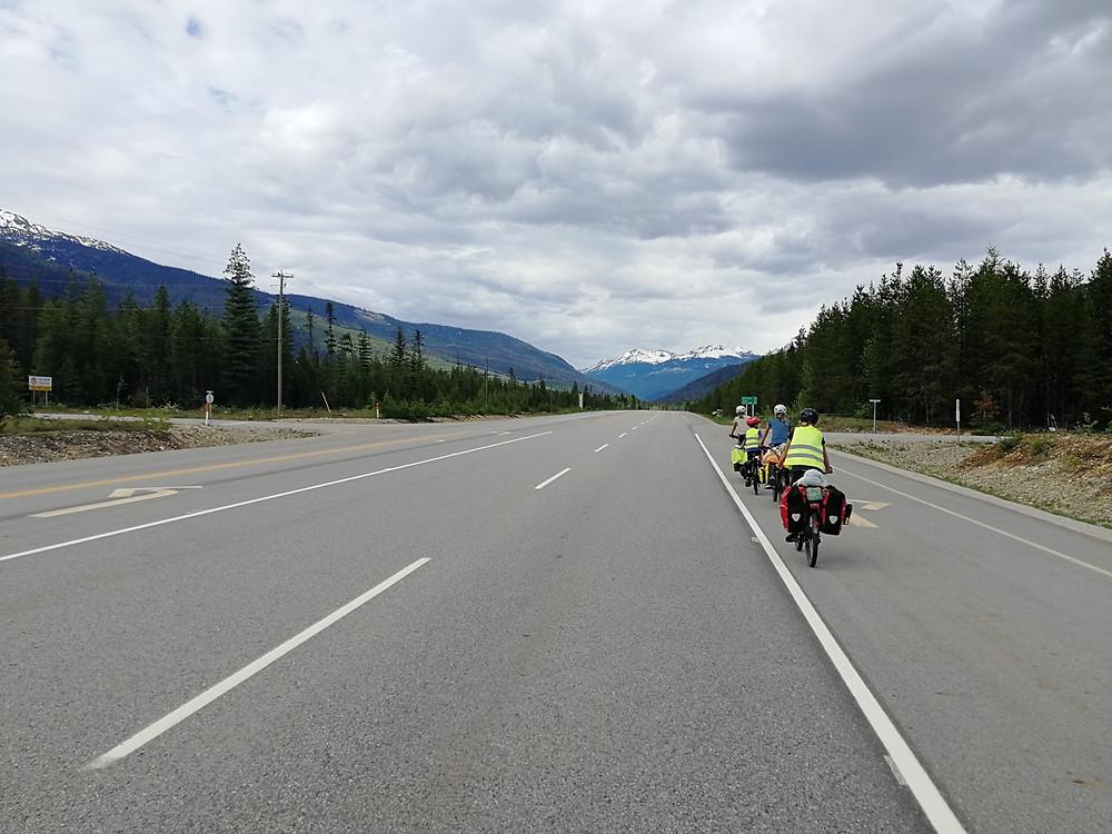 Tour du monde à vélo en famille 2018-2019 : les Rocheuses au Canada.