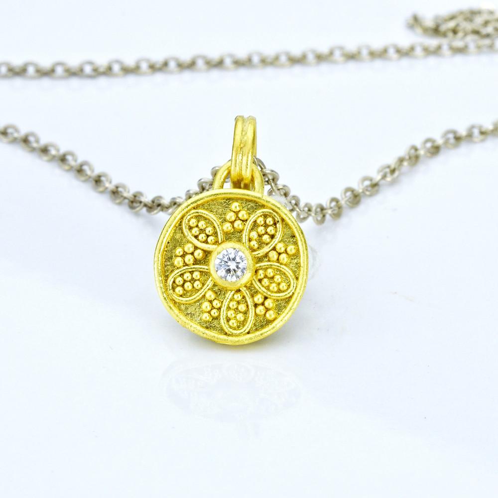 22k gold pendant with diamond