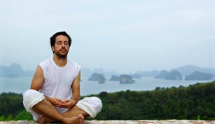 Miguel Cano en un retiro de meditación en una isla al sur de Tailandia.