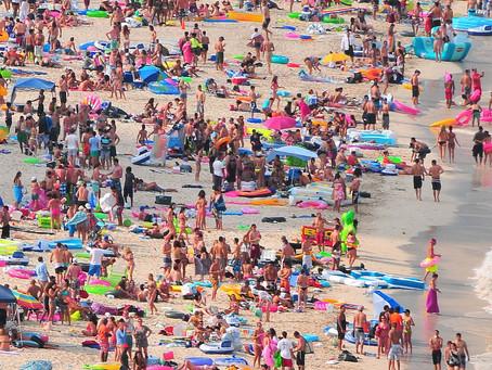 Coronavirus: World reacts with fury to Bondi Beach sunbathers as people ignore social distancing