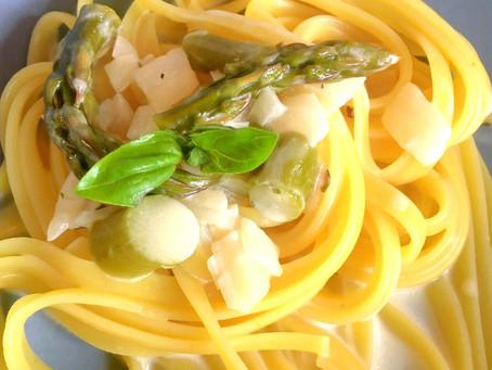Linguine al limone mit Spargelrahmsauce