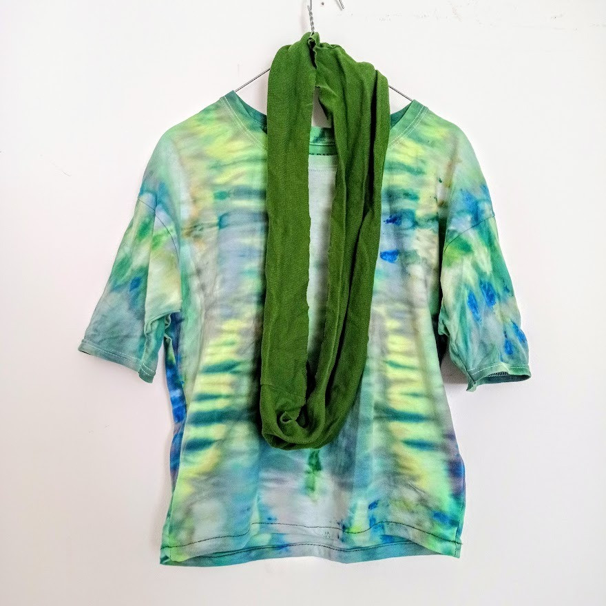 Green tie dyed t shirt