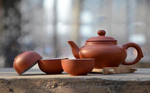 A Zisha tea set produced in Yixing, Jiangsu, China