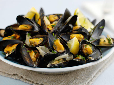 Mussels in White Wine and Garlic Butter