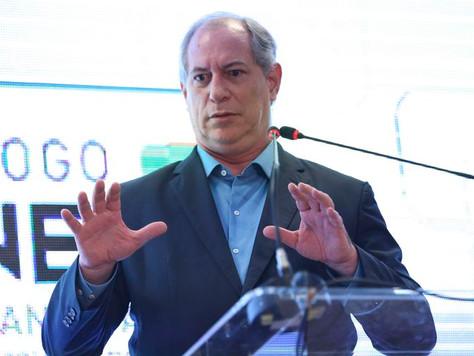 Ciro Gomes apela para que Jean Wyllys não renuncie ao mandato