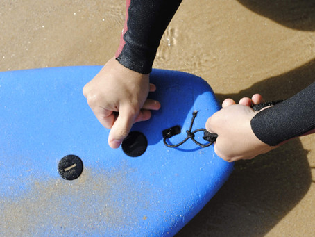 WEAKEST POINT IN A SURFBOARD? A simple string.