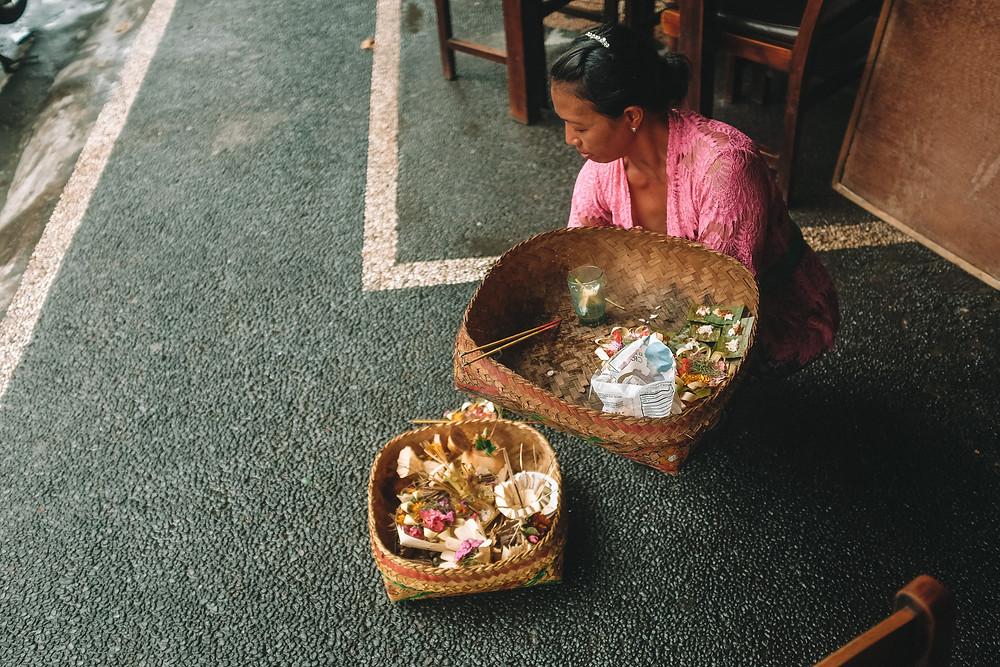 prayer ubud bali indonesia