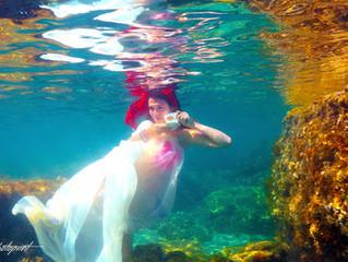 cyprus wedding photographers - underwater wedding photography