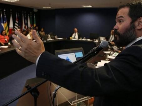 Depois de Osmar, a Indústria da Cannabis agora quer a exoneração do Secretário Quirino Cordeiro