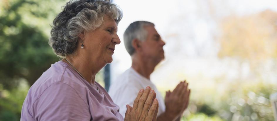 Week 4 Meditatie Challenge | Strenge gedachten en tevredenheid
