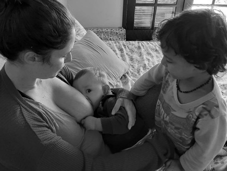 Aleitamento materno também é papo de criança