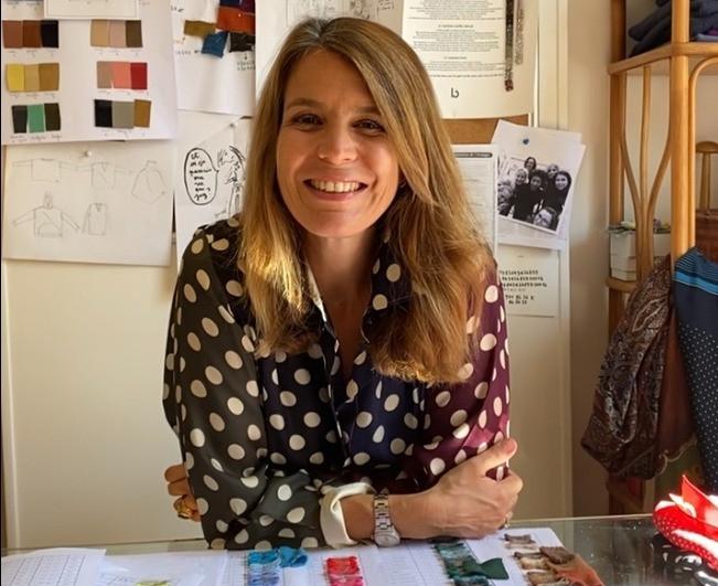 Lucille Léorat dans son bureau