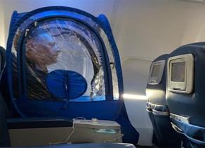 Korona Virüsten Korunmak İçin Plastik Uçak Çadırı