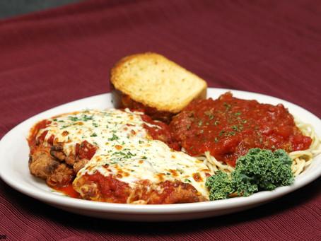 Ternera a la Parmesana con Salsa de Tomate