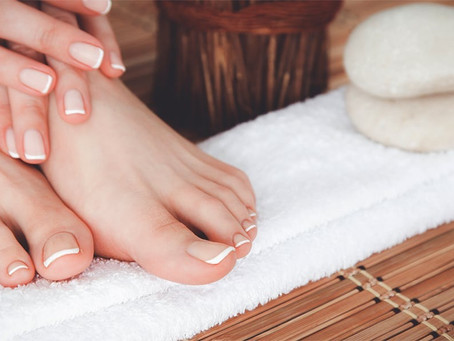 Discover the difference between deluxe vs express pedicures