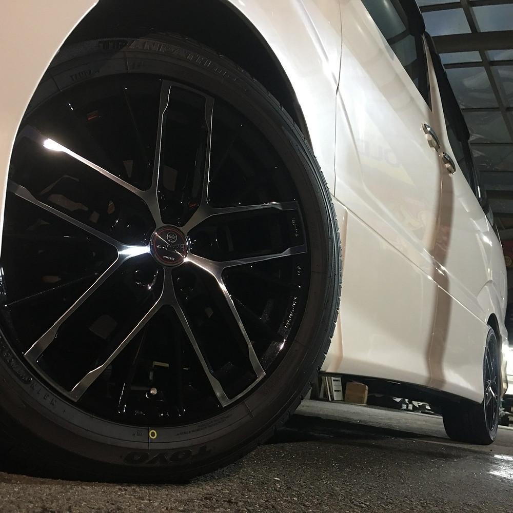 トヨタ アルファード 10系 共豊コーポレーション スマック レヴィラ 18インチ 7J トーヨータイヤ トランパス MPZ ミニバン