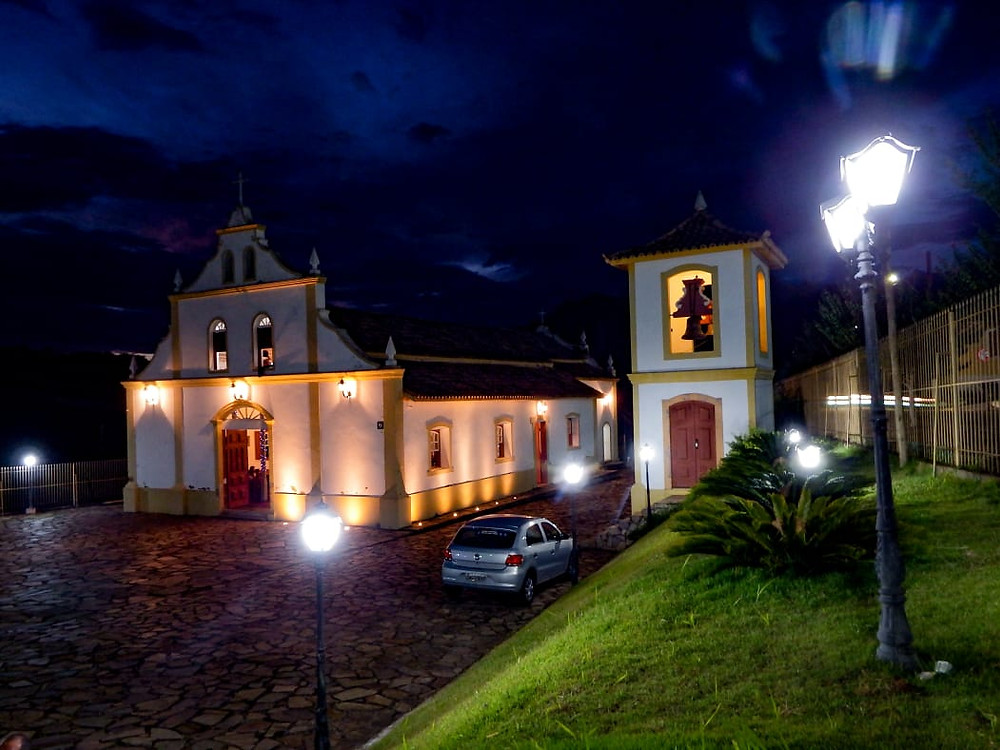 Capela do Carmo luminárias