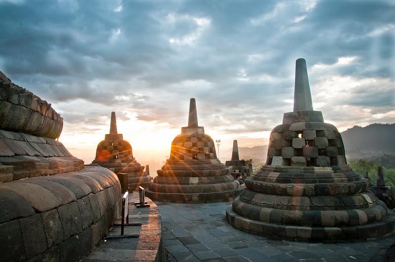 Le temple Candi Borobudur sur l'île de Java en Indonésie