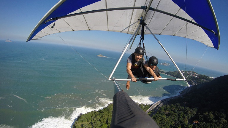 you can pilot hang gliding in Rio