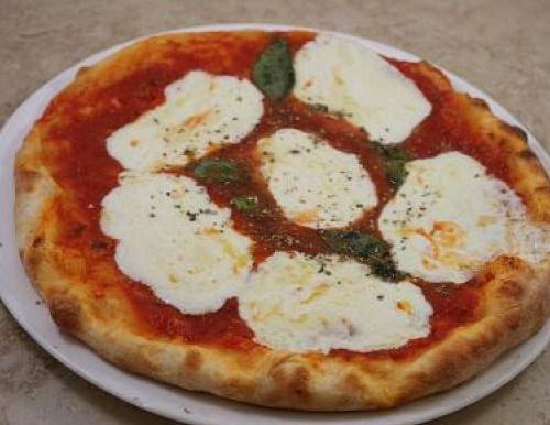 Pizza Margherita alla Napoletana