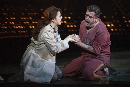 Giselle Allen as Tosca and Rafael Rojas as Cavaradossi