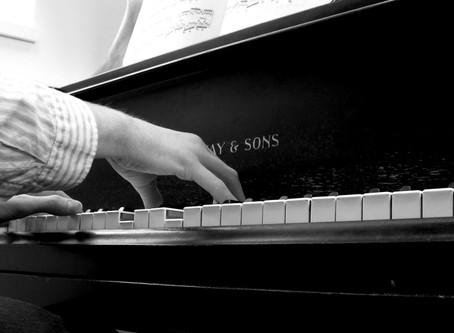 La digitación y su relación con la técnica pianística y la interpretación