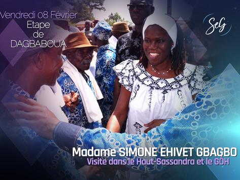 MADAME SIMONE EHIVET GBAGBO FAIT UNE ESCALE À DAGBABOUA.