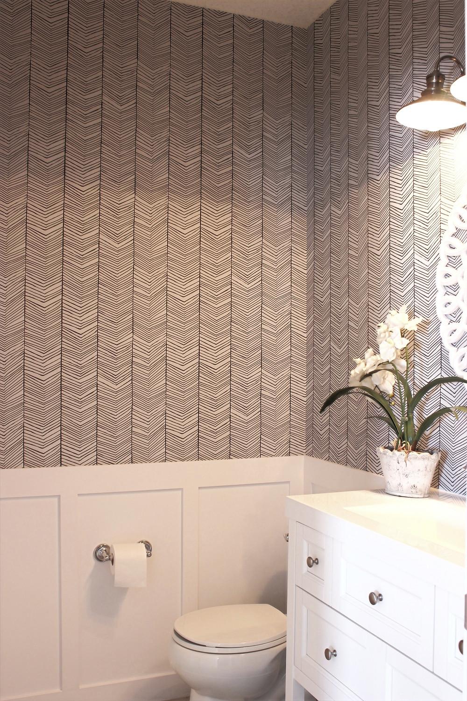 Wallpaper in a powder room | DIY project | home decor