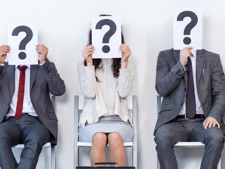 Al solicitar la residencia ¿Qué puedo esperar de la entrevista con un oficial de inmigración?