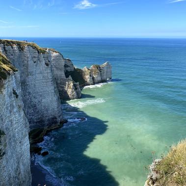 Découvrir les Falaises d'Étretat en Normandie
