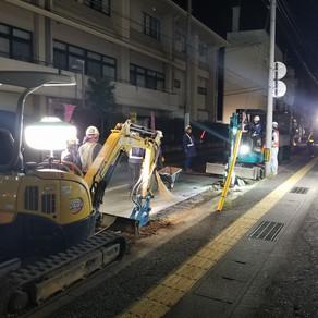 市街地での夜間工事 (T_T)