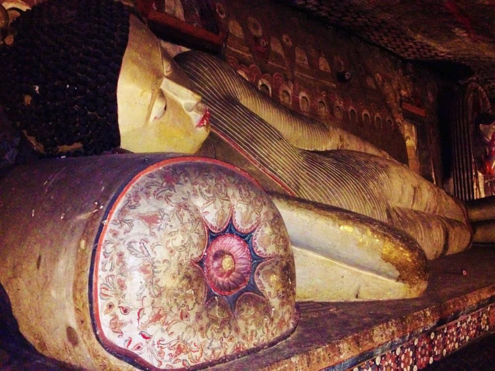 Bouddha couché de Dambulla Sri Lanka