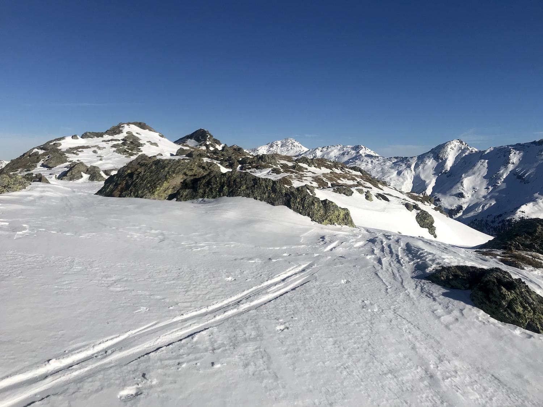 Tourenspur im Schnee, Skitour Moelserberg