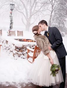 Winterhochzeit-Paar