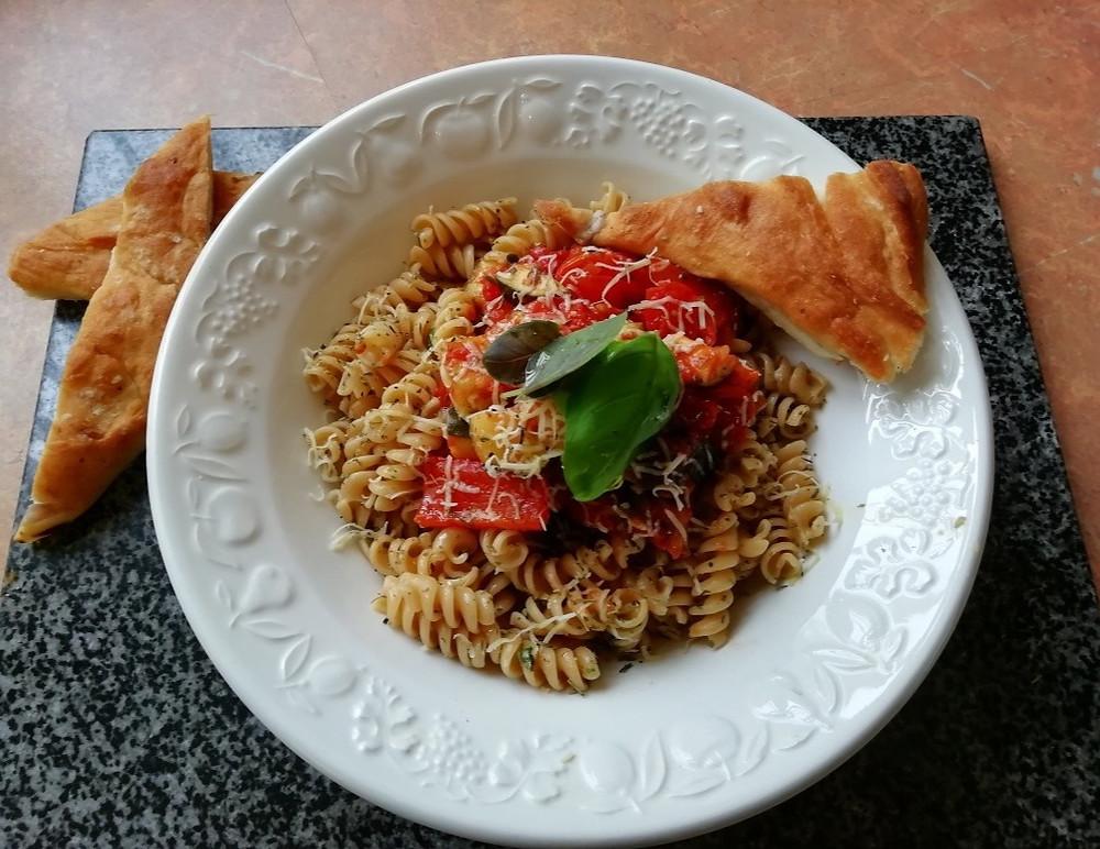 A vegetarian spaghetti bolognaise. As part of the vegetarian, pant-based recipes.