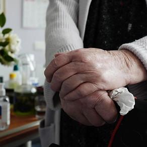 « Le risque est d'oublier la dignité humaine des personnes âgées et vulnérables »