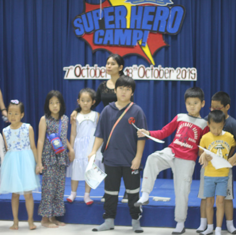STS Superhero English Camp