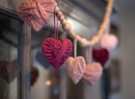 How to Make Yarn Heart Garland in 4 Easy Steps