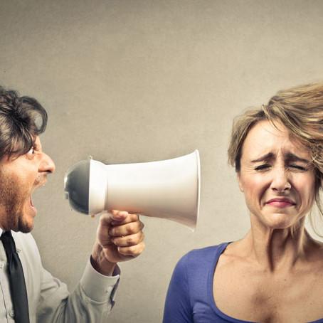 Non urlare! Impara a comunicare.