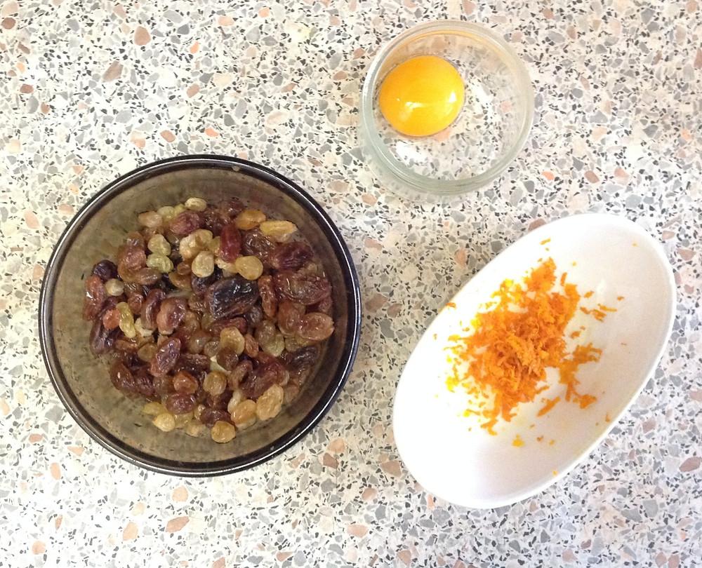 raisins, zeste, rakia jaune d'eouf