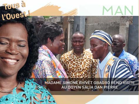 MAN : MADAME SIMONE EHIVET GBAGBO REND VISITE AU DOYEN SALIA DAN PIERRE
