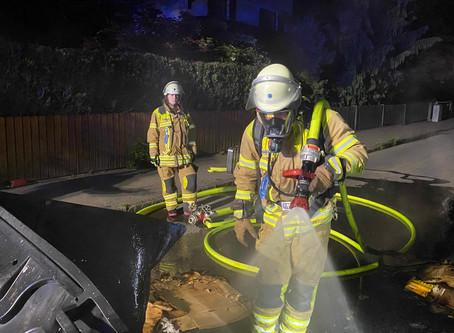 Nächtliche Brandstiftungen halten Feuerwehr auf Trab