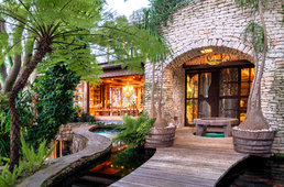 STONEWOOD HIDEAWAY – a hidden gem with a rainforest twist, right in the heart of Hout Bay.