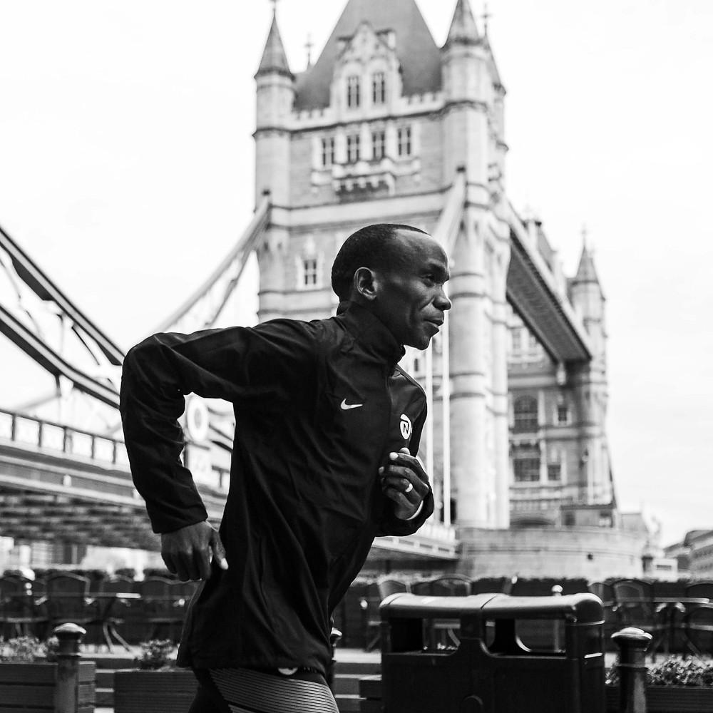 Confío en mi entrenador, nunca me saltaré un entrenamiento. Este es mi consejo para cualquier corredor que quiera mejorar: no hay que hacer concesiones mientras se entrena. Hay que seguir corriendo»