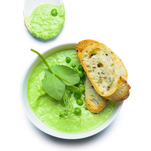 Tinka ir pusryčiams: trinta žaliųjų žirnelių ir brokolių sriuba