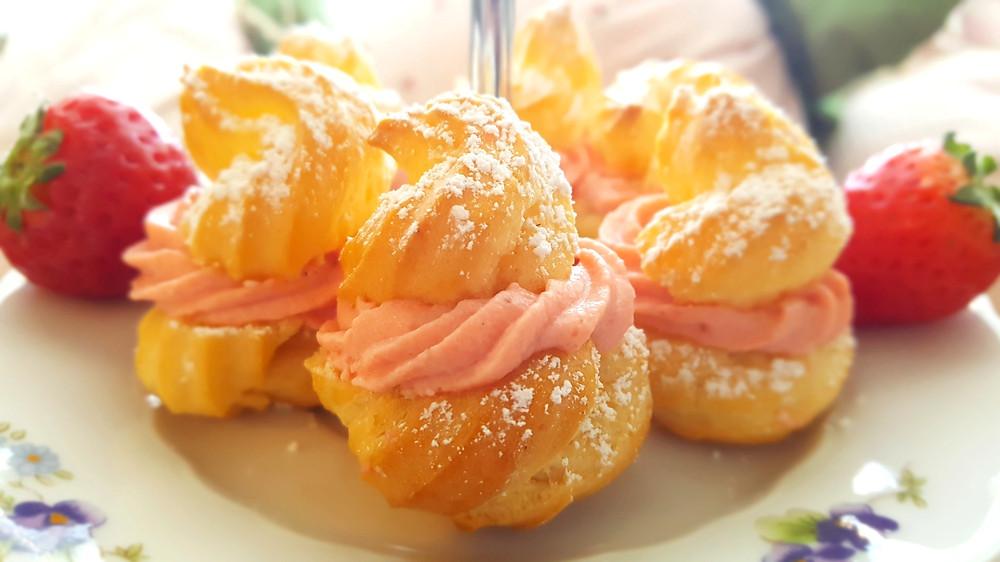 Brandteig, Windbeutel, Erdbeeren, Erdbeerquark, süß, Mini-Windbeutel, Frühling, Küstencookie, Kuestencookie