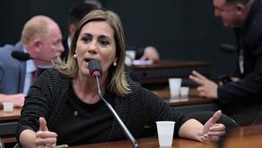 Deputada quer tornar nacional direito às mulheres desembarcarem à noite fora dos pontos de ônibus
