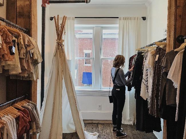 4 Budget Saving Ways to Build a Work Wardrobe